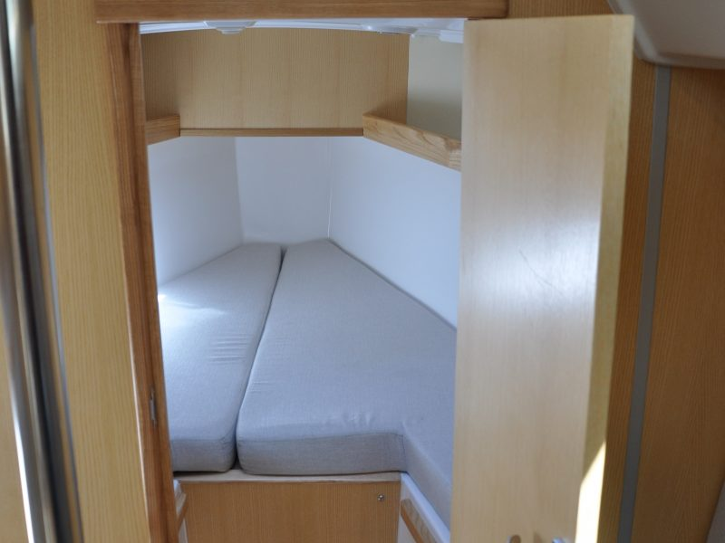 AQT 28 Interior